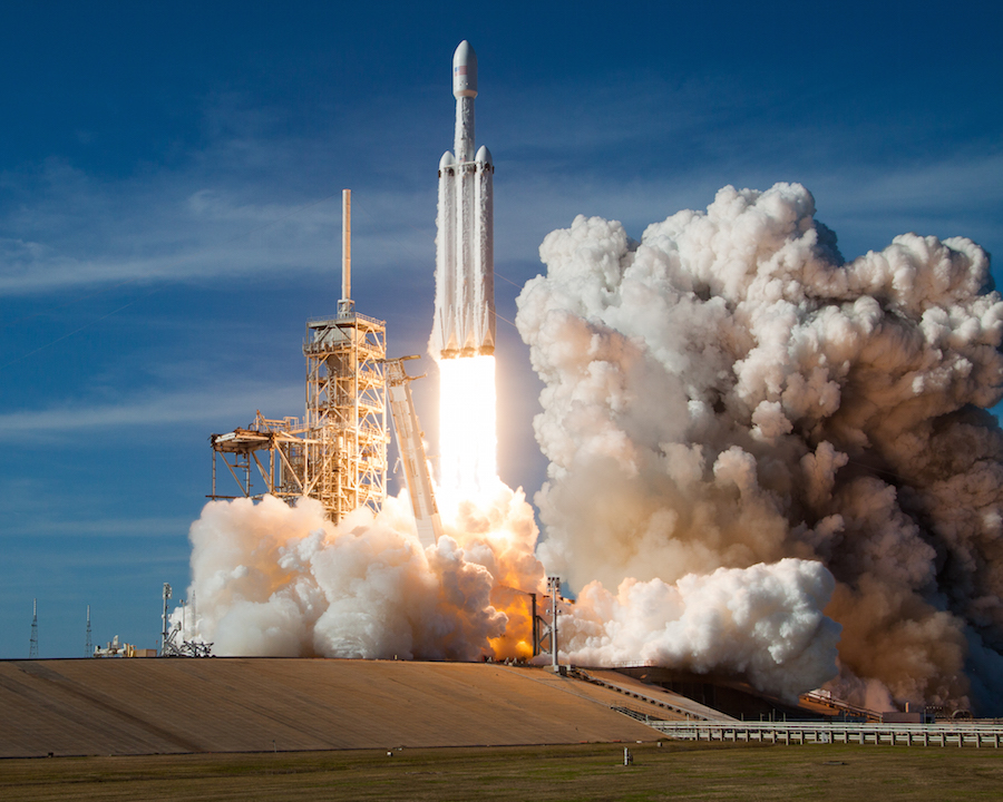 SpaceX's Falcon Heavy rocket lifts off Feb. 6 from launch pad 39A at NASA's Kennedy Space Center in Florida. Credit: Walter Scriptunas II / Spaceflight Now