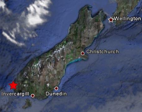 南岛M7.8地震震中
