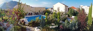 Panaroma Garden & pool view Wide