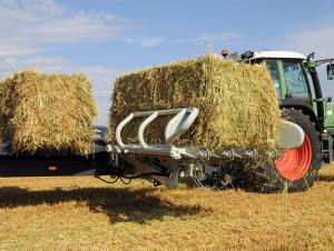 ARCUSIN AUTOSTACK XP PICK UP BALE CHASER STACKER REMOLQUE PACAS APILADOR