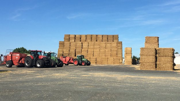 ARCUSIN ACCUMULATEUR BALES BALE CHASER FORSTACK FRANCE 5