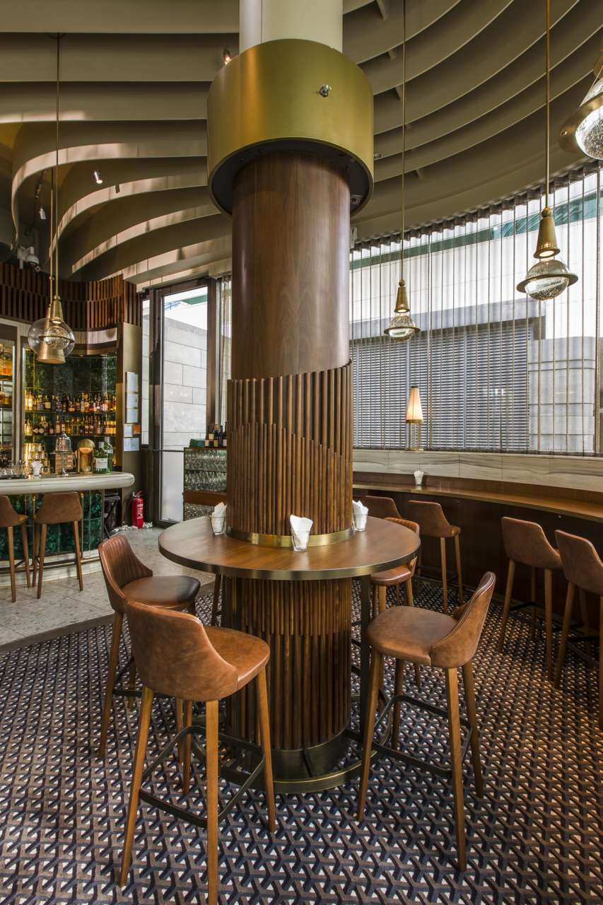Bross per il ristorante Continental di Hong Kong   Area
