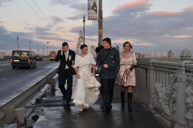 Жанровая репортажная фотография. Свадьба Михаила Шаманова. Прогулка по городу
