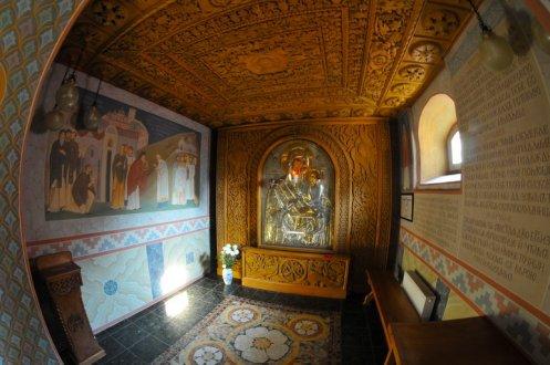 И снова я в Зверинецком монастыре. Живые фотографии о вечном 29