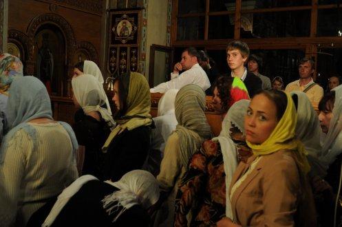 Фоторепортаж из Свято-Троицкого Ионинского монастыря о праздновании Светлого праздника Пасхи 237