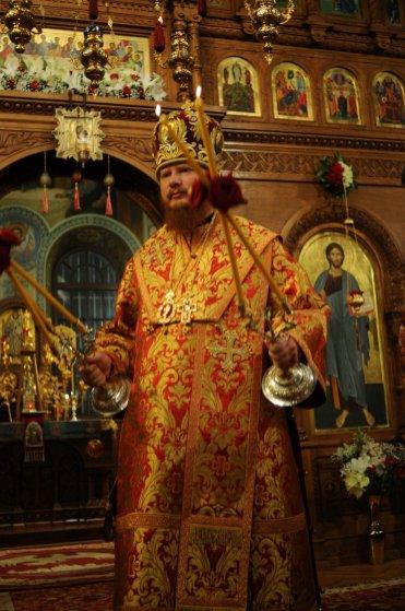 Фоторепортаж из Свято-Троицкого Ионинского монастыря о праздновании Светлого праздника Пасхи 310