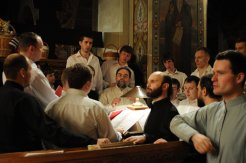 Фоторепортаж из Свято-Троицкого Ионинского монастыря о праздновании Светлого праздника Пасхи 334