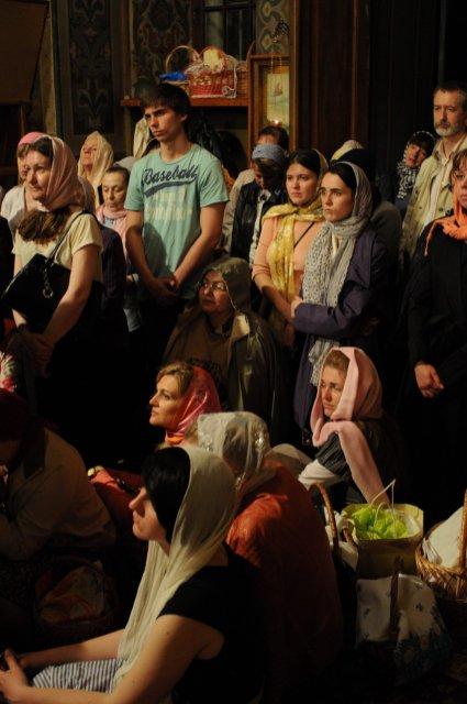 Фоторепортаж из Свято-Троицкого Ионинского монастыря о праздновании Светлого праздника Пасхи 341