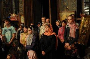 Фоторепортаж из Свято-Троицкого Ионинского монастыря о праздновании Светлого праздника Пасхи 342