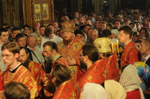 Фоторепортаж из Свято-Троицкого Ионинского монастыря о праздновании Светлого праздника Пасхи 381