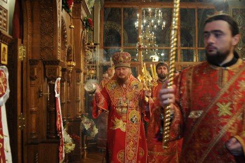 Фоторепортаж из Свято-Троицкого Ионинского монастыря о праздновании Светлого праздника Пасхи 393