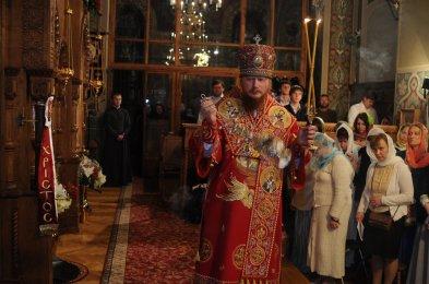 Фоторепортаж из Свято-Троицкого Ионинского монастыря о праздновании Светлого праздника Пасхи 497