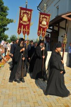 300 фото с храмового праздника Преображение Господне Спасо-Преображенского скита Ионинского монастыря 201