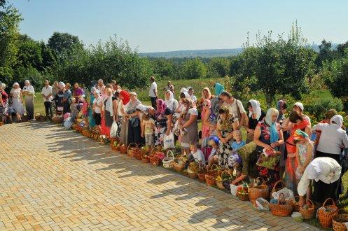 300 фото с храмового праздника Преображение Господне Спасо-Преображенского скита Ионинского монастыря 245