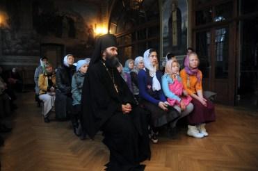 Гости из России, небольшая фотосессия в Ионинском 11
