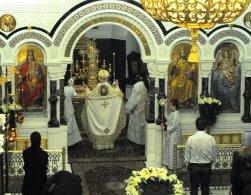 Несколько фотографий с Рождественской службы из Свято-Троицкого Китаевского мужского монастыря. 7
