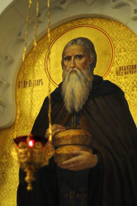 Несколько фотографий с Рождественской службы из Свято-Троицкого Китаевского мужского монастыря. 22