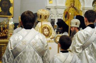 Несколько фотографий с Рождественской службы из Свято-Троицкого Китаевского мужского монастыря. 32