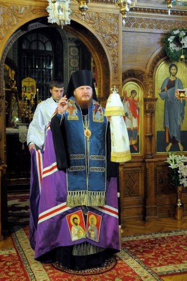 Фотографии с Рождественской службы в СвятоТроицком Ионинском монастыре 139