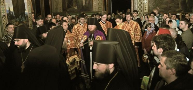 Фото репортаж со Свято-Троицкого Ионинского монастыря г.Киев со Светлого Праздника Воскресения Христова. 202