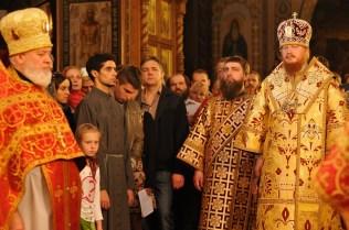 Фото репортаж со Свято-Троицкого Ионинского монастыря г.Киев со Светлого Праздника Воскресения Христова. 14