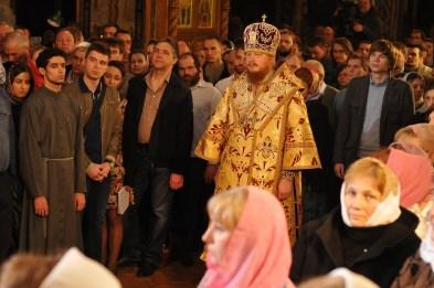 Фото репортаж со Свято-Троицкого Ионинского монастыря г.Киев со Светлого Праздника Воскресения Христова. 18