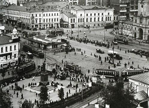 Знаменитый фотограф. «Была коптилка да свеча — теперь лампа Ильича». 95 лет назад. 39