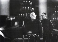 Знаменитый фотограф. «Была коптилка да свеча — теперь лампа Ильича». 95 лет назад. 62