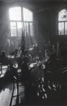 Знаменитый фотограф. «Была коптилка да свеча — теперь лампа Ильича». 95 лет назад. 72