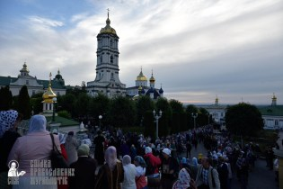 easter_procession_ukraine_pochaev_0021