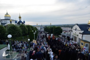 easter_procession_ukraine_pochaev_0034