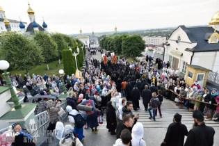 easter_procession_ukraine_pochaev_0035