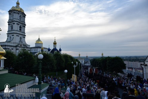 easter_procession_ukraine_pochaev_0036