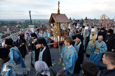 easter_procession_ukraine_pochaev_0045
