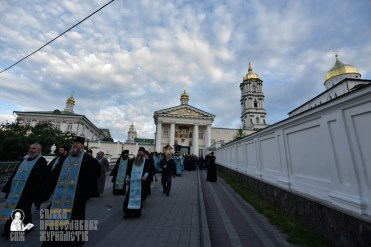easter_procession_ukraine_pochaev_0056