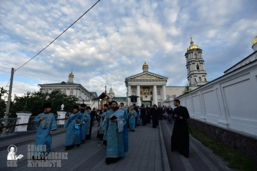 easter_procession_ukraine_pochaev_0057