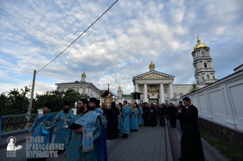 easter_procession_ukraine_pochaev_0058