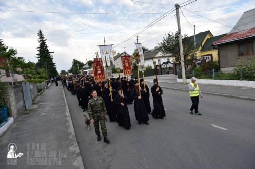 easter_procession_ukraine_pochaev_0077