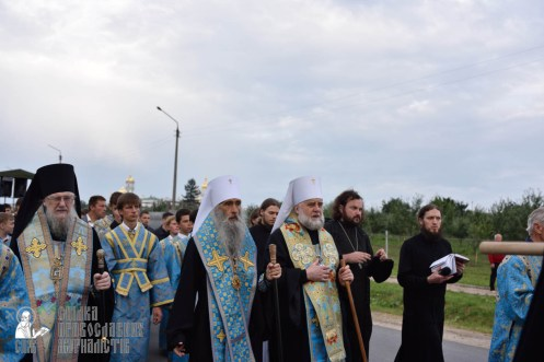 easter_procession_ukraine_pochaev_0107