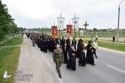 easter_procession_ukraine_pochaev_0112