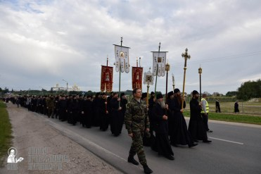 easter_procession_ukraine_pochaev_0116