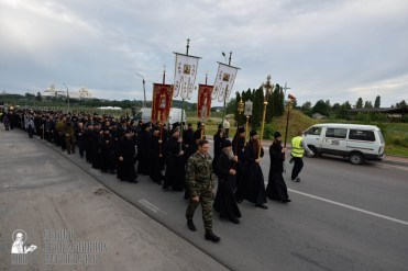 easter_procession_ukraine_pochaev_0128