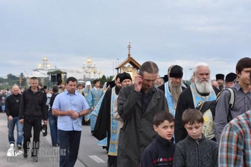 easter_procession_ukraine_pochaev_0137