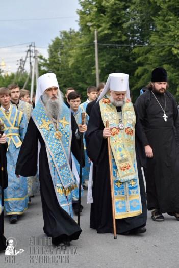 easter_procession_ukraine_pochaev_0156