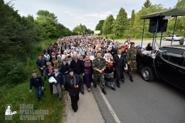 easter_procession_ukraine_pochaev_0184