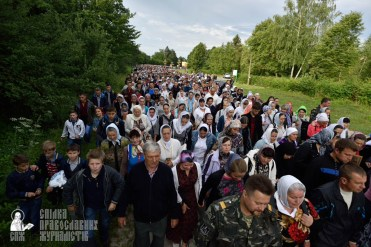 easter_procession_ukraine_pochaev_0194