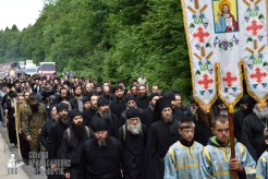 easter_procession_ukraine_pochaev_0221