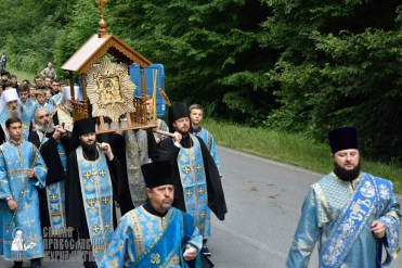 easter_procession_ukraine_pochaev_0226