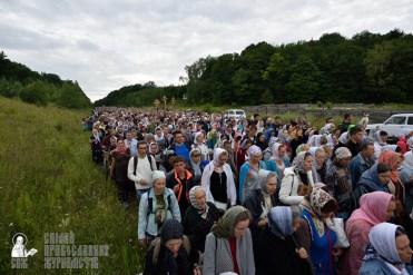 easter_procession_ukraine_pochaev_0245
