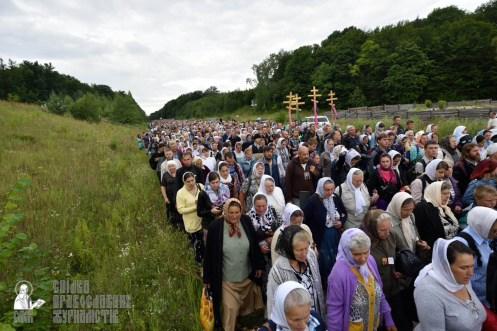 easter_procession_ukraine_pochaev_0249
